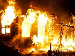 Накануне в Березниках в посёлке Турлавы на улице Зелёной горел дом