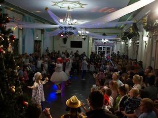 Наступление нового года в КСЦ «Азот» отметили тысячи березниковских детей