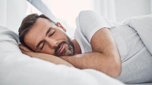 Как крепкий сон может помешать наступлению болезни Альцгеймера