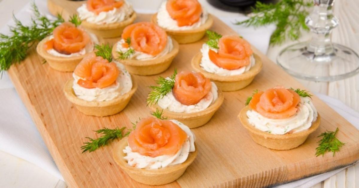 10 блюд на скорую руку, которые подойдут для праздничного стола
