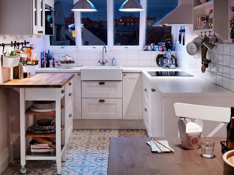 6 неожиданных преимуществ маленькой кухни, которые помогут вам полюбить ее еще сильнее
