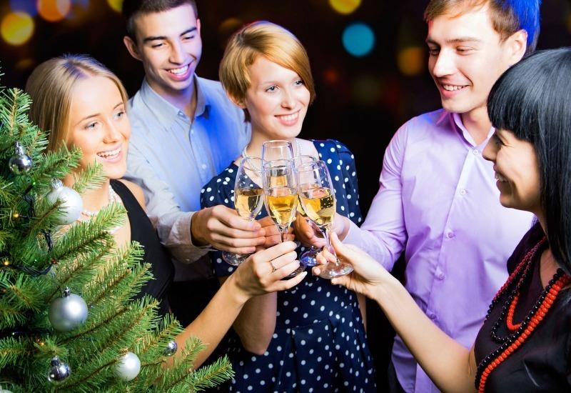 7 типов людей, которых не стоит приглашать в гости на новогодние праздники