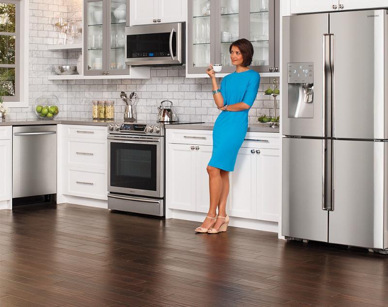8 ненужных вещей на вашей кухне, которым место на мусорке, а не в доме