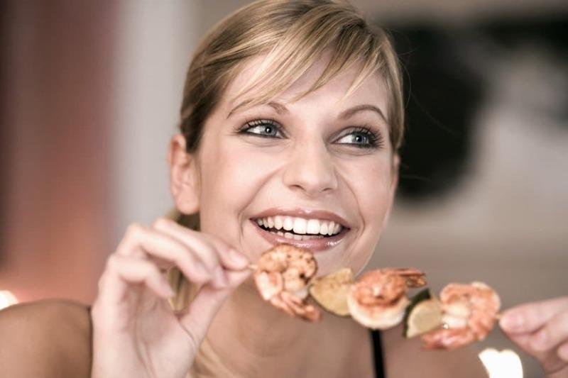 Едят и не толстеют: 5 знаков Зодиака с очень быстрым метаболизмом
